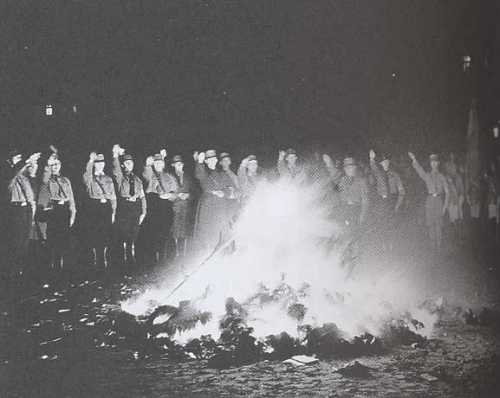 autodafe-nazi.1186774940.jpg