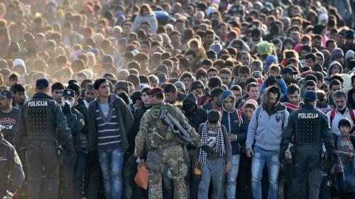 _87276203_refugees.jpg