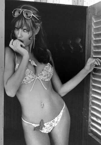 sexy_bikini_adriana_lima_beach_img1028001-web.jpg