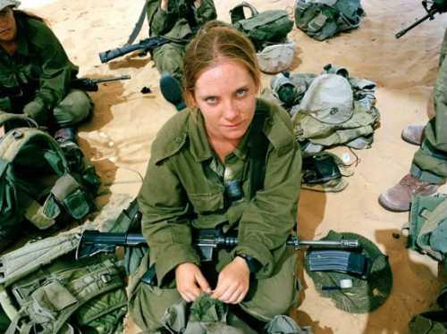 IsraeliWomenSoldiers2-1.jpg